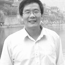 """国家第二批""""千人计划""""专家、上海数学中心首席科学家、复旦大学类脑智能科学与技术研究院院长。长期致力于发展数学、统计与计算机的理论和方法,并原创性地将它们应用于解决神经科学和各类脑疾病中的具体问题。2011年获英国皇家学会沃夫森研究功勋奖。在单神经元和神经元网络的动力学研究、机器学习算法的设计和分析、随机控制理论、因果关系分析等方面都做出过杰出工作,相关重要成果发表在Molecular Psychiatry,Brain, PNAS,PRL等杂志上。"""